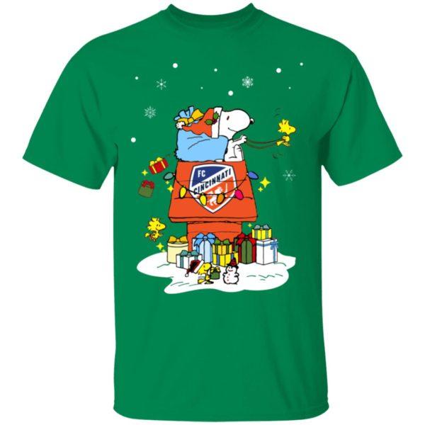 FC Cincinnati Santa Snoopy Wish You A Merry Christmas Shirt