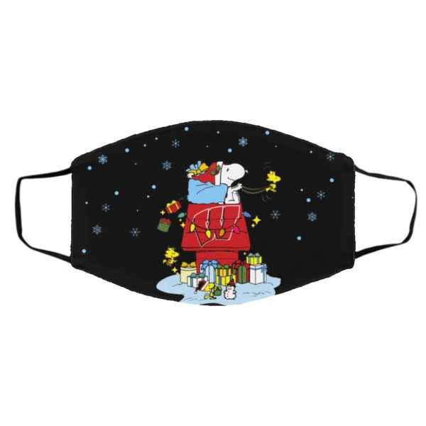 Wisconsin Badgers Santa Snoopy Wish You A Merry Christmas face mask