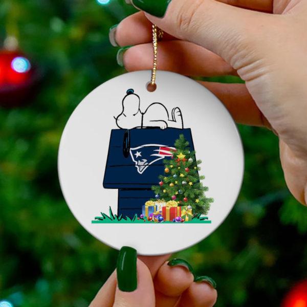 New England Patriots Snoopy Christmas Circle Ornament