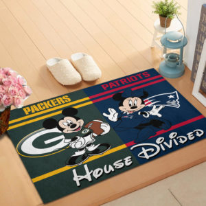 Green Bay Packers vs New England Patriots Mickey And Minnie Teams NFL House Divided Doormat